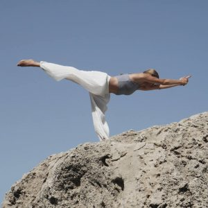Marieke Kisteman en posicion de Yoga 5 - Espazioyoga