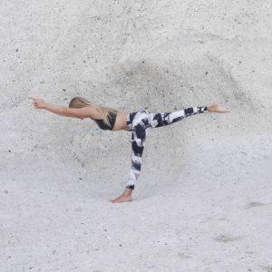 Marieke Kisteman en posicion de Yoga 2 - Espazioyoga